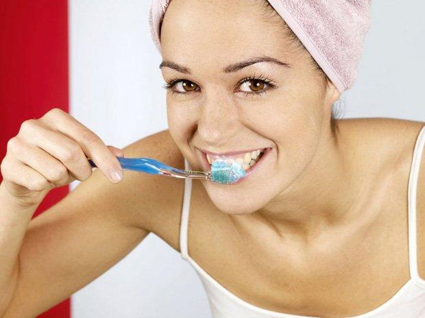 Olio essenziale di menta per i denti